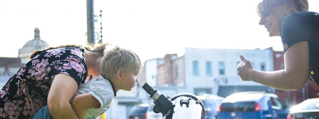 The Adler offers its visitors with several opportunities to participate in telescope observing!